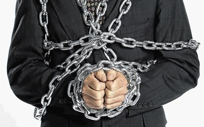 Man-in-chains-xxx